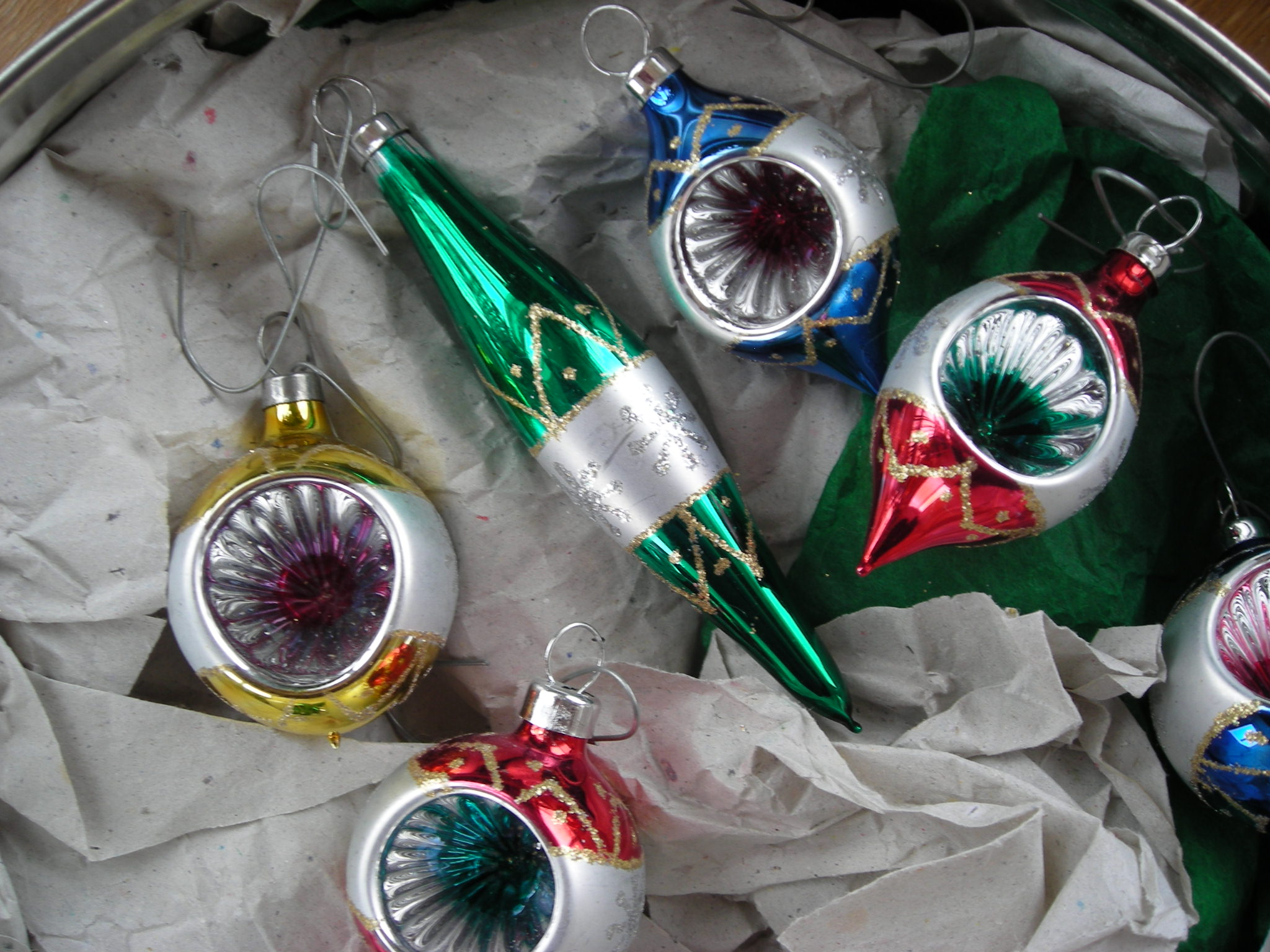 Old Fashioned Glass Ornaments | Euffslemani.com